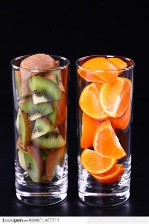 玻璃里的水果图片