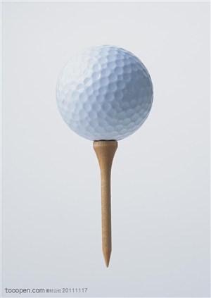 球类运动-一个高尔夫球特写
