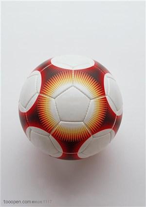 球类运动-红白相间足球特写