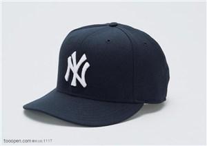 球类运动-黑色运动帽特写
