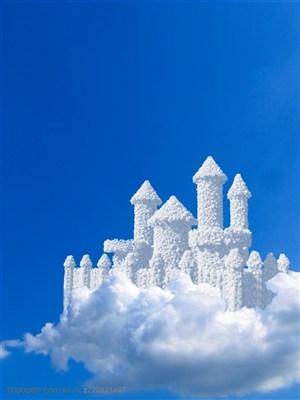 创意高空云朵城堡高清图片